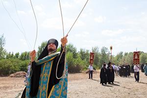 Митрополит Меркурий совершил чин закладки камня в основание Успенского скита Свято-Донского монастыря