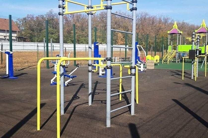 В поселке Щепкине Аксайского района появилась многофункциональная спортивная площадка