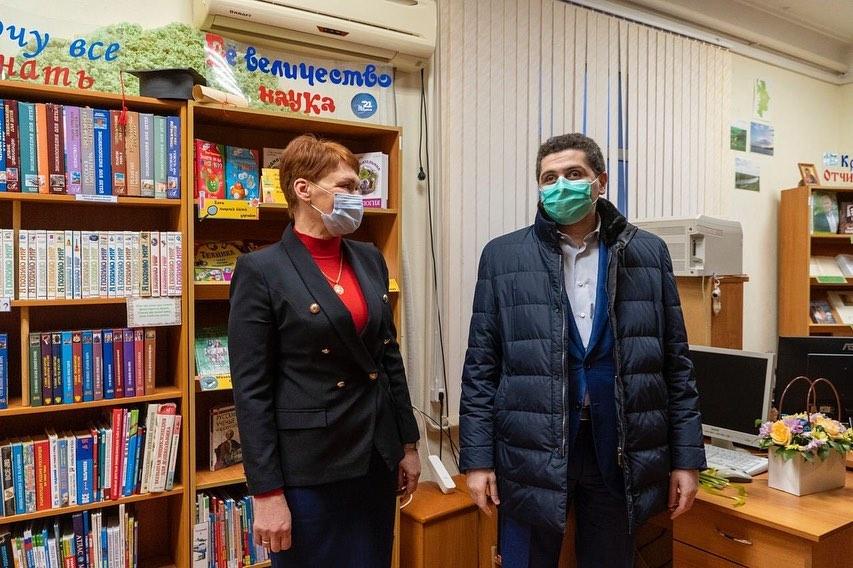 Приехал в библиотеку им. М.А. Шолохова посёлка Октябрьский Аксайского района